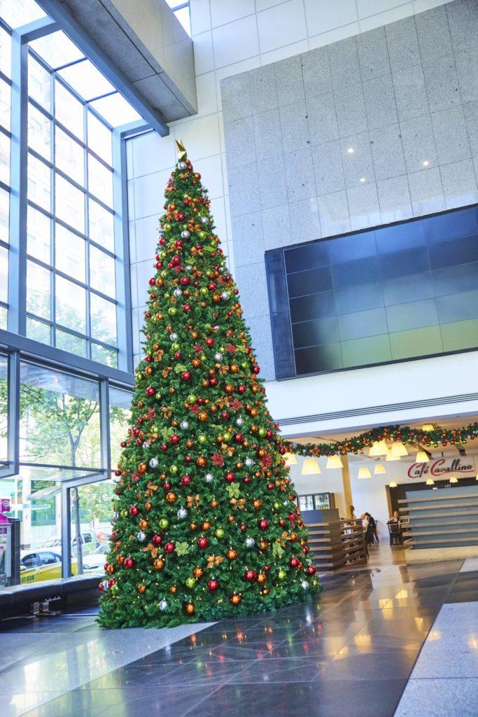 UV exterior christmas tree